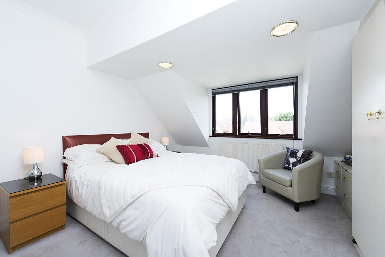 2 Bedrooms Flat for sale in Oakview Lodge, NW11